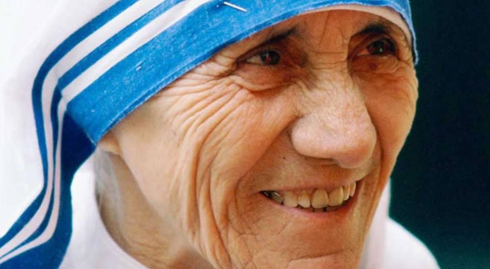 Madre Teresa de Calcuta es santa oficialmente desdehoy