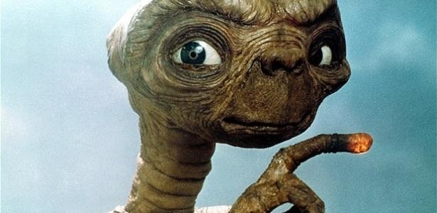 E.T. El Extraterrestre (Atari) y su tumba en eldesierto