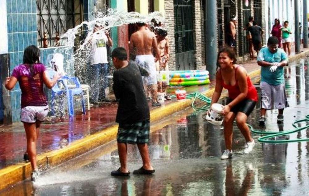 Carnavales: Lanzar agua debe ser dos vecescondenado