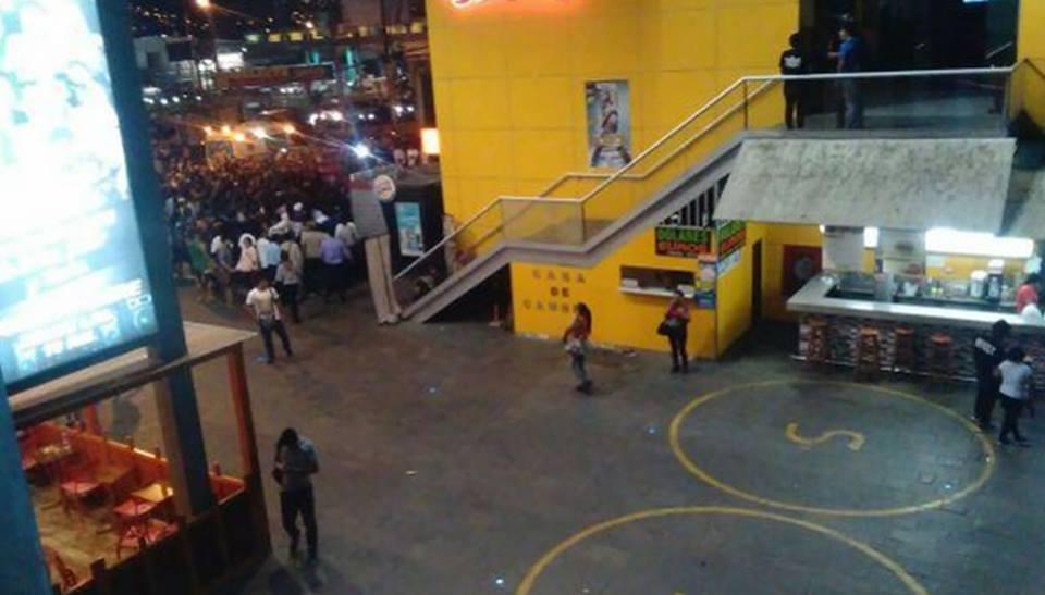 La violencia en los centros comerciales llega al Perú: Tres muertes en el RoyalPlaza