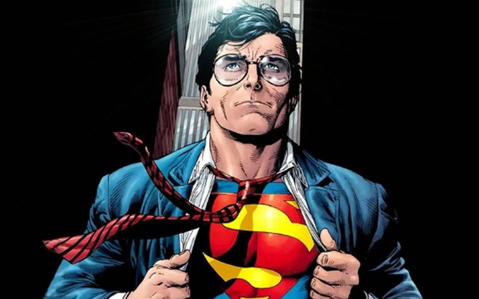 Debajo de la máscara: los superhéroes tienen que ganarse lavida