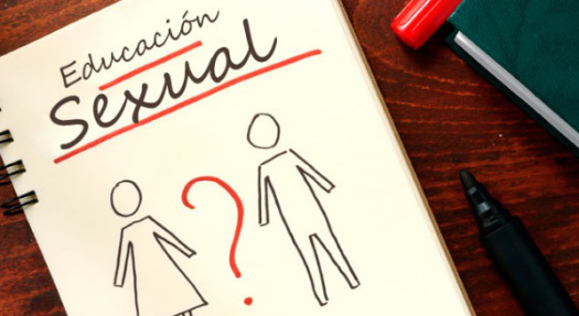 ¿Los padres pueden educar sexualmente a sus hijos en elPerú?