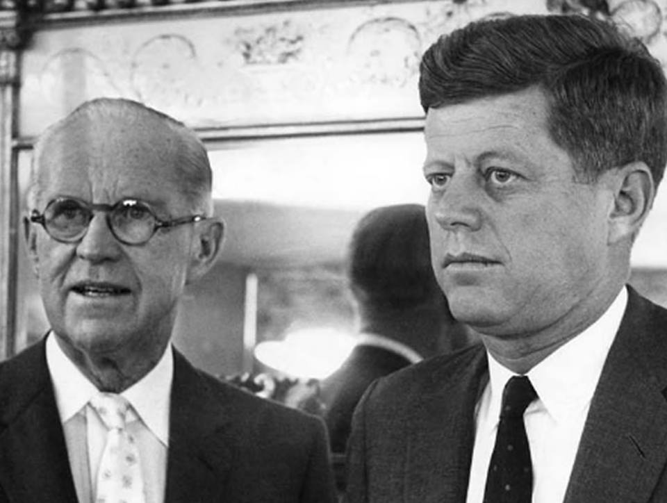 Papá Kennedy veía a sus hijos como piezasintercambiables