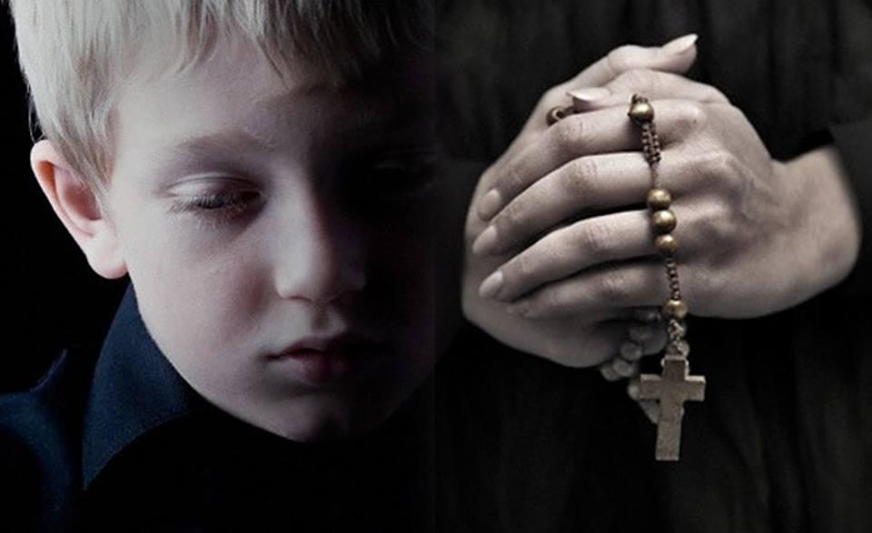 ¿Los sacerdotes deben seguir trabajando con niños yadolescentes?