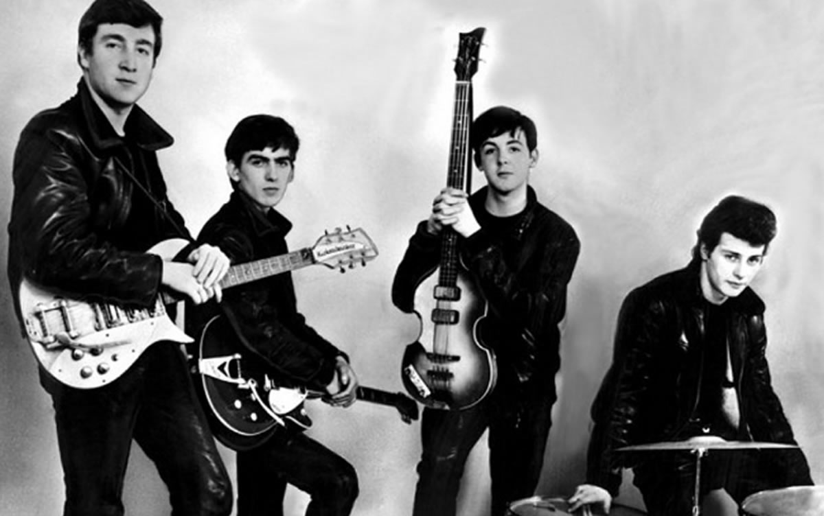 The Beatles: También fueron una boy band (banda adolescente) en Liverpool
