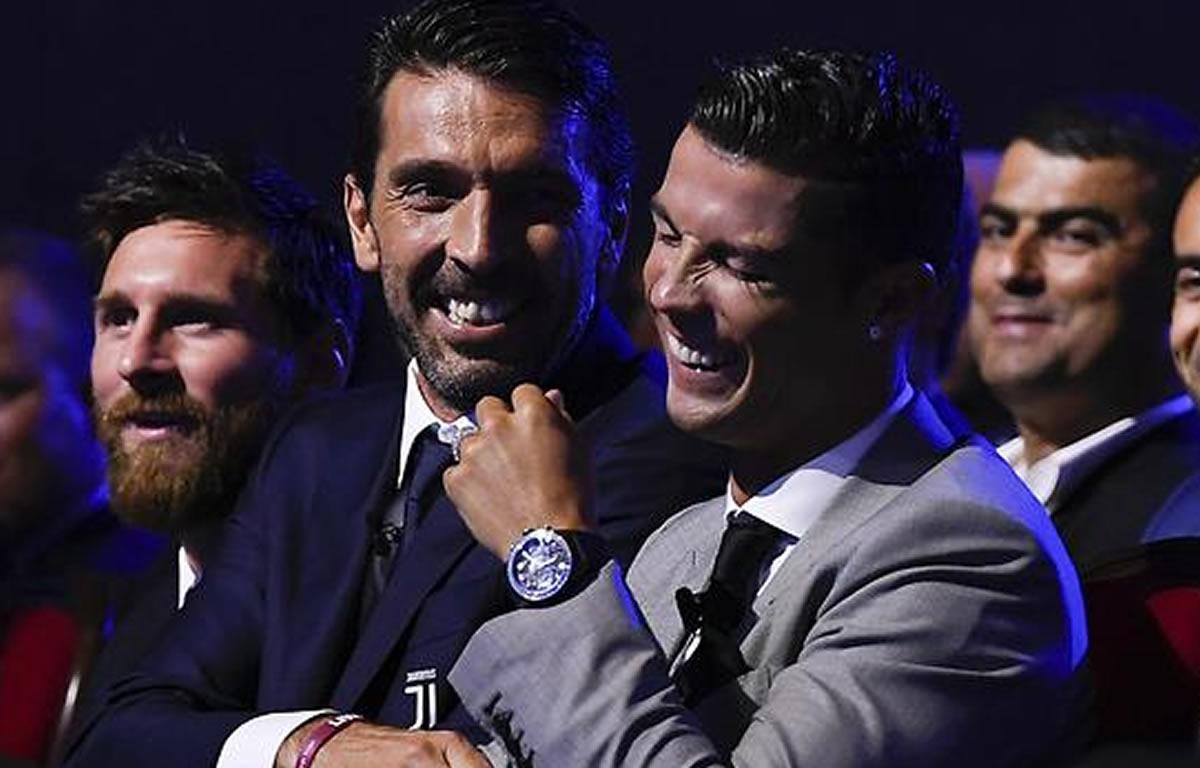 Premios UEFA: La camarería de costumbre entre Messi yCR7