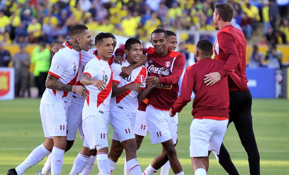 Perú ganó a Ecuador en Quito (1-2): Goles de Edison Flores y PaoloHurtado