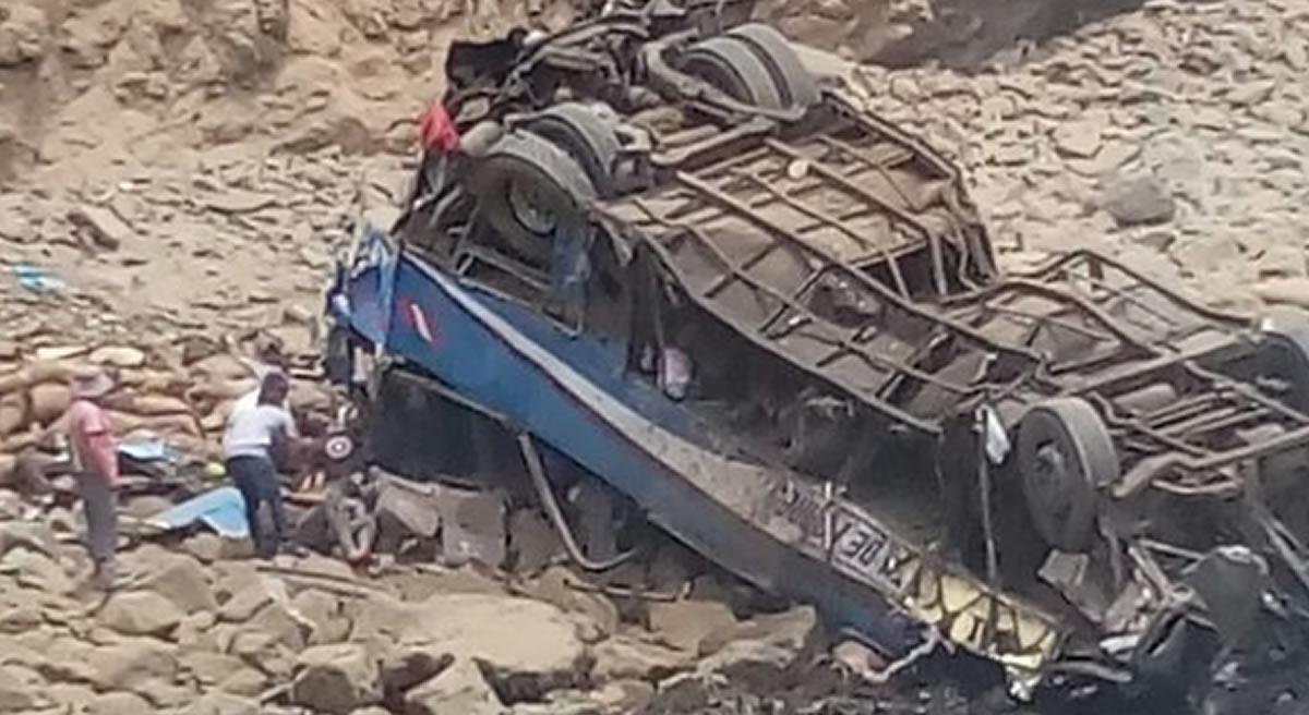 Pasamayo: La primera tragedia vial del 2018, arroja un mínimo de 20muertes