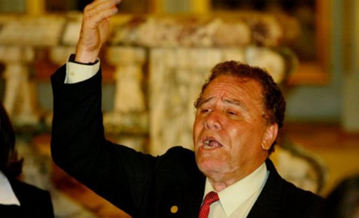 Las guitarras lloran la muerte de Augusto PoloCampos