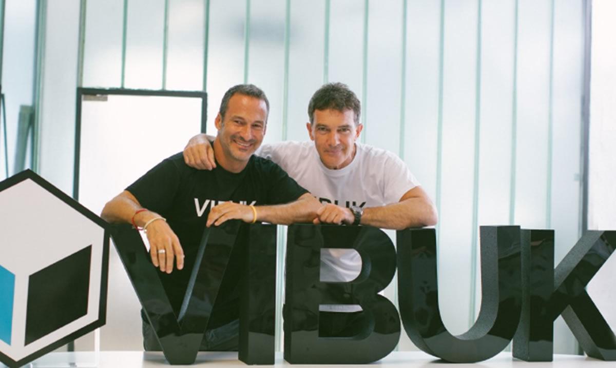 Vibuk, la red social de trabajo para talento artístico de Antonio Banderas, llega aPerú