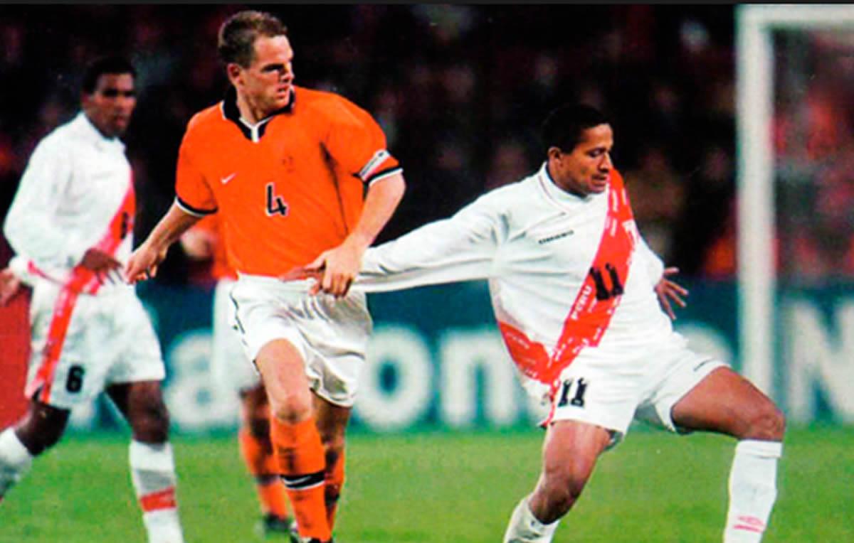Holanda-Perú: La diferencia con el partido amistoso de1998