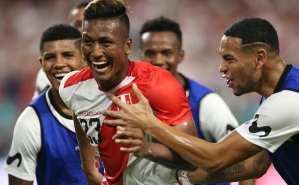 Perú 3 Chile 0: Pedro Aquino trajo los goles desde la banca (Crónica yOpinión)