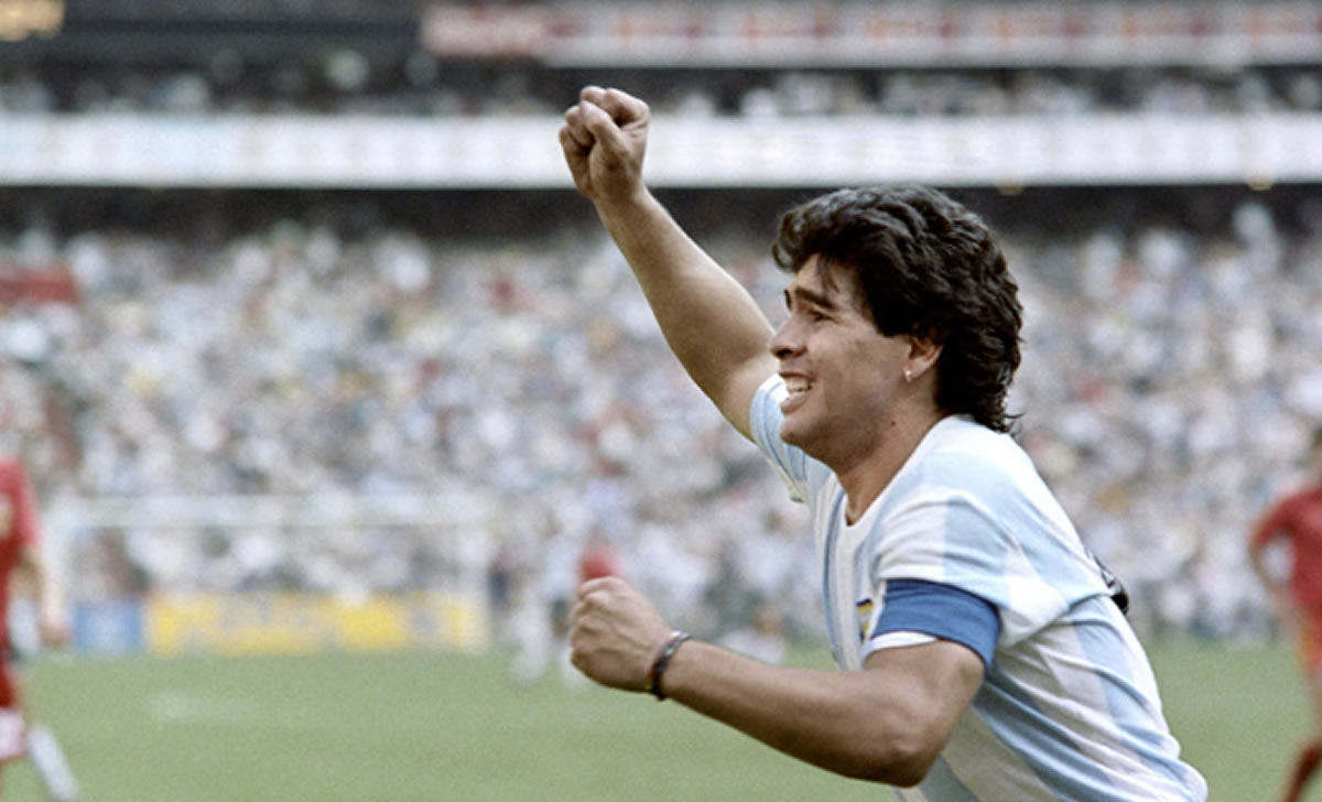Los mejores antes de Messi y CR7: Maradona fue más grande que susproblemas