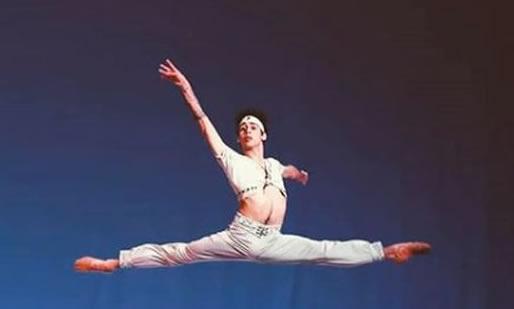 ¡Lamentable! Homofóbicos agreden a bailarín de ballet que da clasesonline